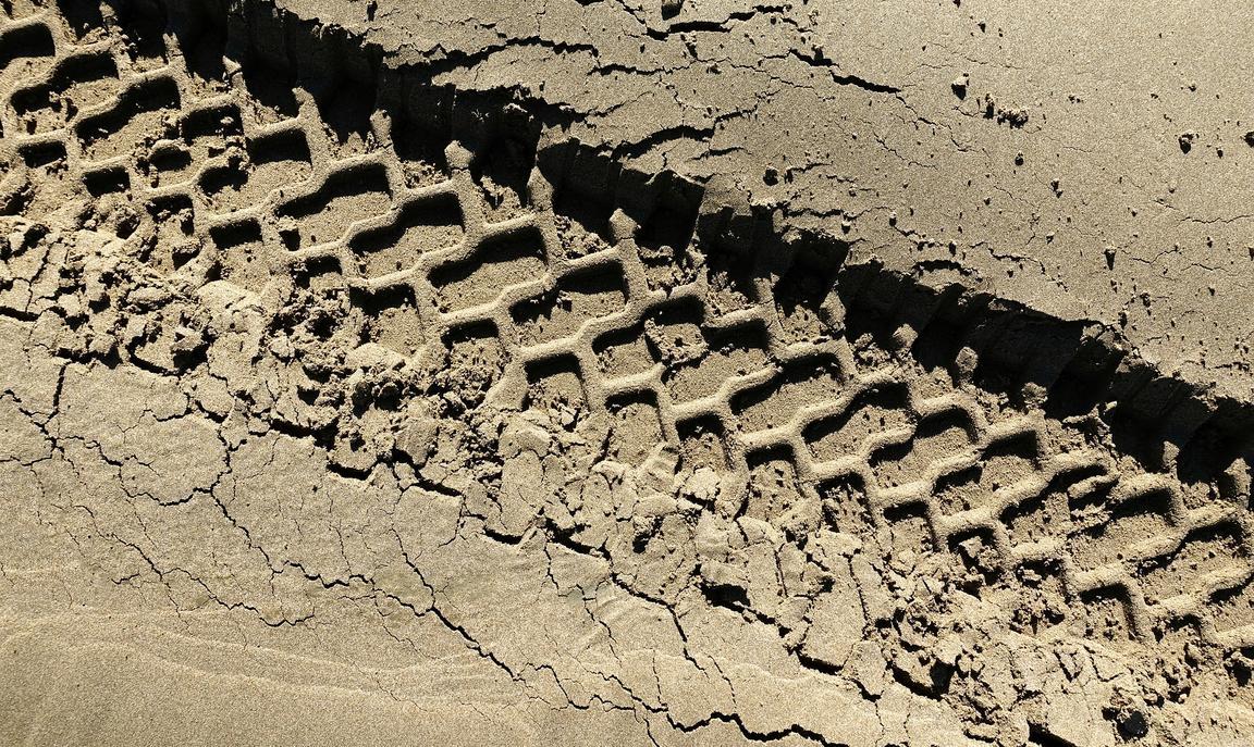 Tyre track in desert